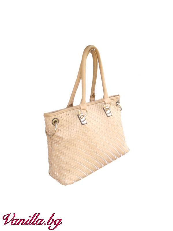 Бежова дамска чанта от еко кожа