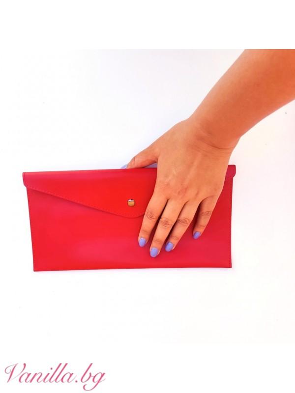 Червено портмоне тип клъч