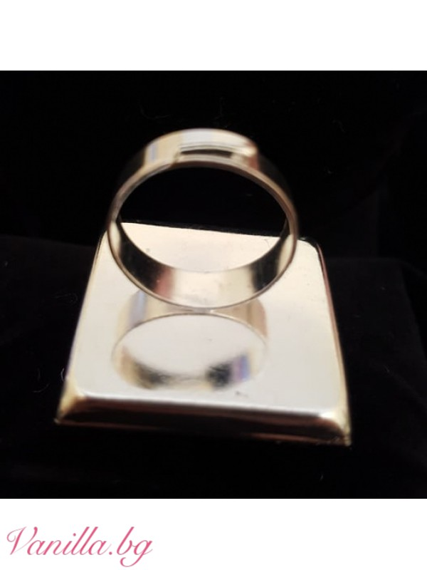 Ръчно бродиран пръстен - квадратен