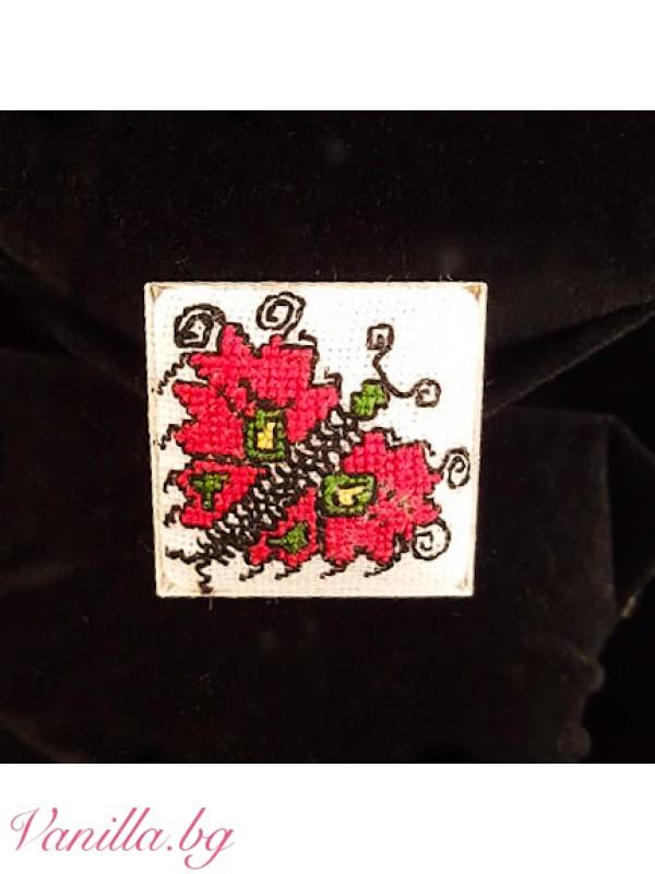 Ръчно бродиран пръстен - пеперуда