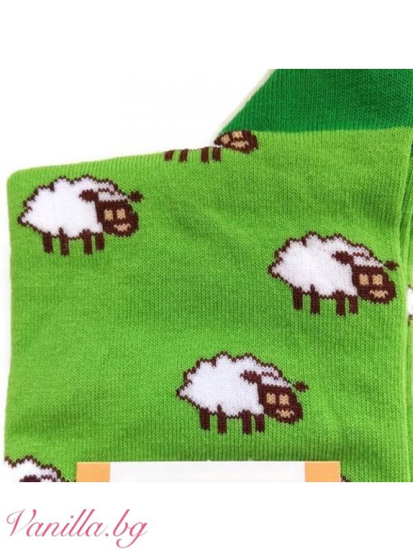 Чорапи с бели и черни овце