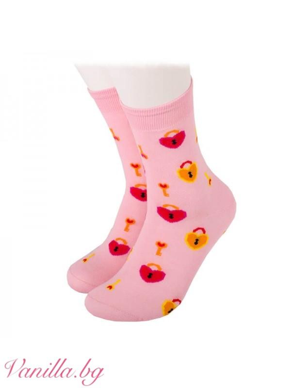 Чорапи с катинари и ключета във форма на сърце