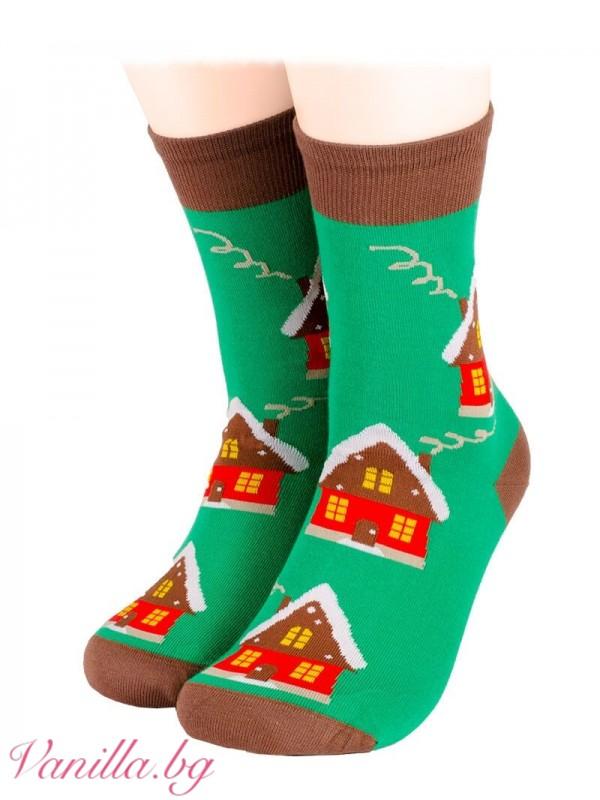 Чорапи с коледна къщичка