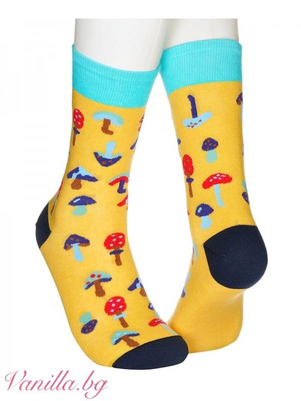 Жълти чорапи с гъбки