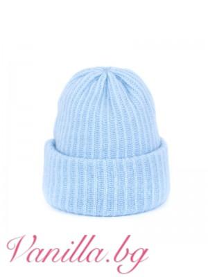 Пухкава синя шапка