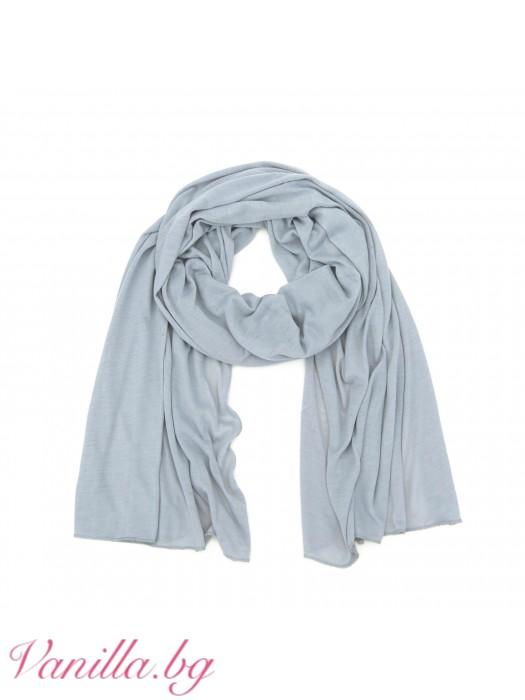 Лек дамски шал