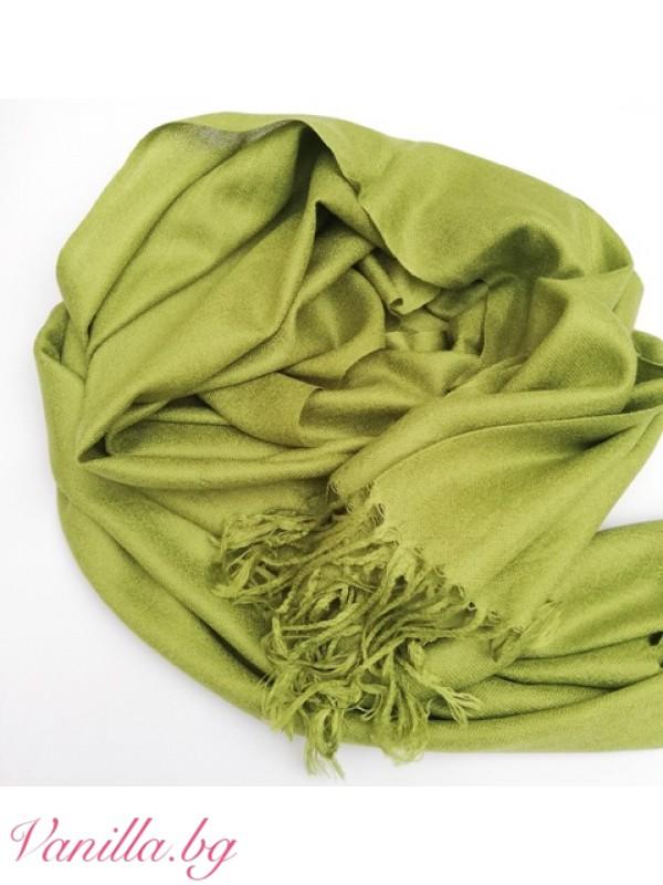 Дамски шал с ресни в светло зелен цвят