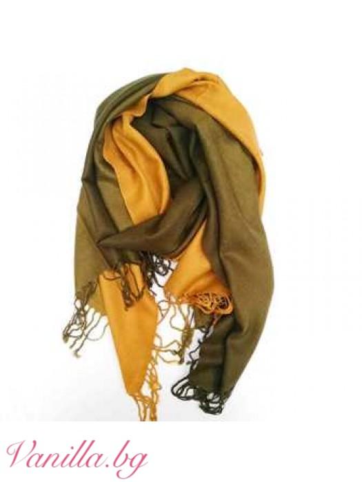 Дамски шал в есенни цветове