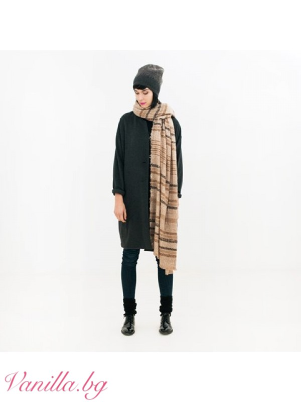 Шалове - Топъл дамски шал в бежово и кафяво