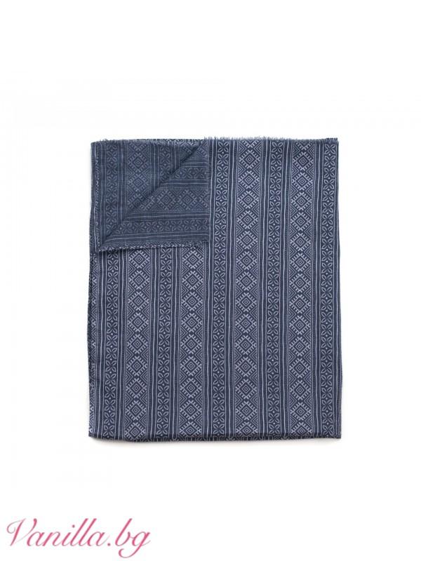 Елегантен шал в синьо