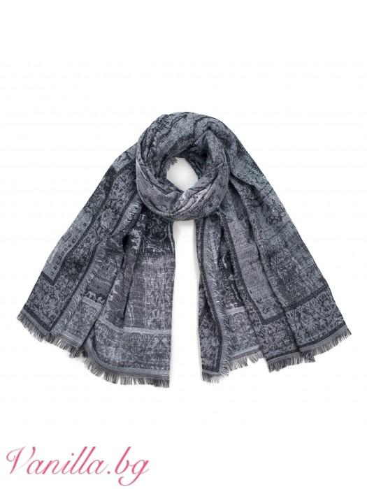 Дамски шал с абстрактна щампа