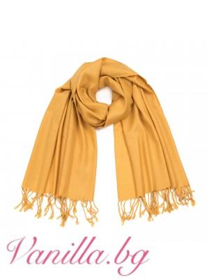 Жълт шал с ресни