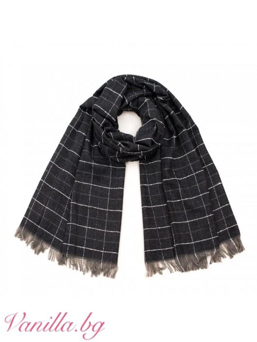 Черен кариран шал с ресни
