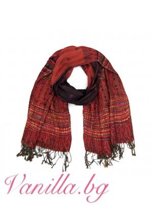 Ефектен дамски шал в червено