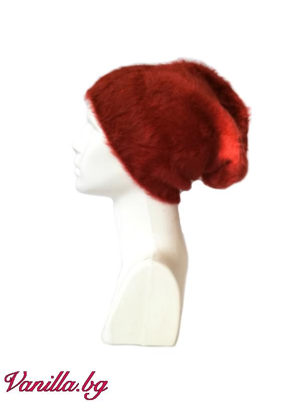 Дамска шапка с ангорски косъм
