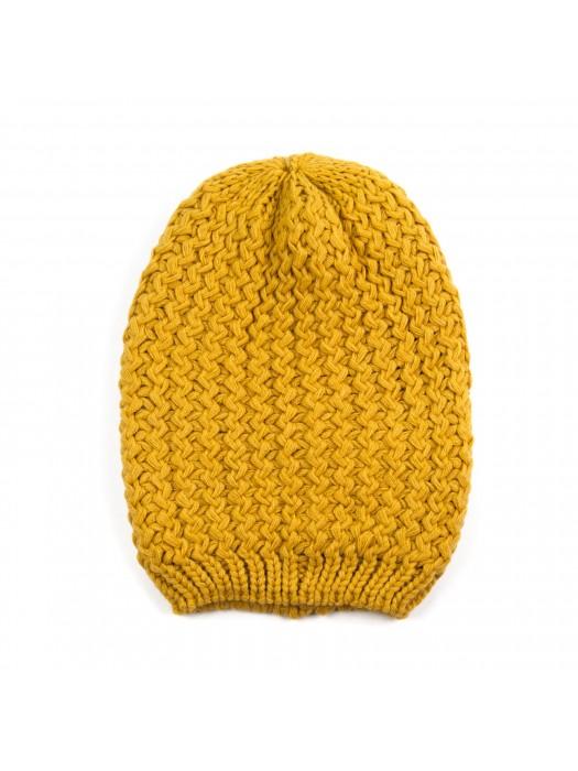 Дамска шапка с едра плетка