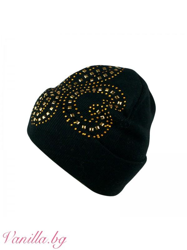 Шапки - Дамска шапка с апликация в златисто
