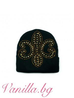 Дамска шапка с апликация в златисто