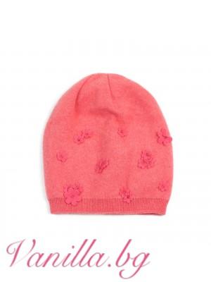 Розова шапка с цветя