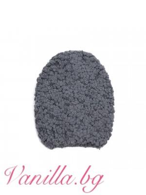 Дамска шапка от ефектна прежда