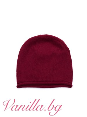 Топла шапка в цвят бордо