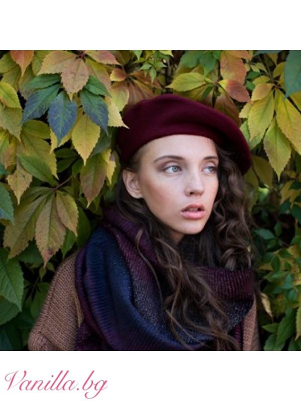 Дамска барета в цвят бордо