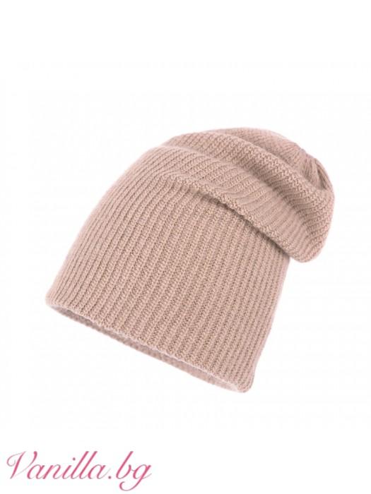 Бежова шапка от ангорска вълна