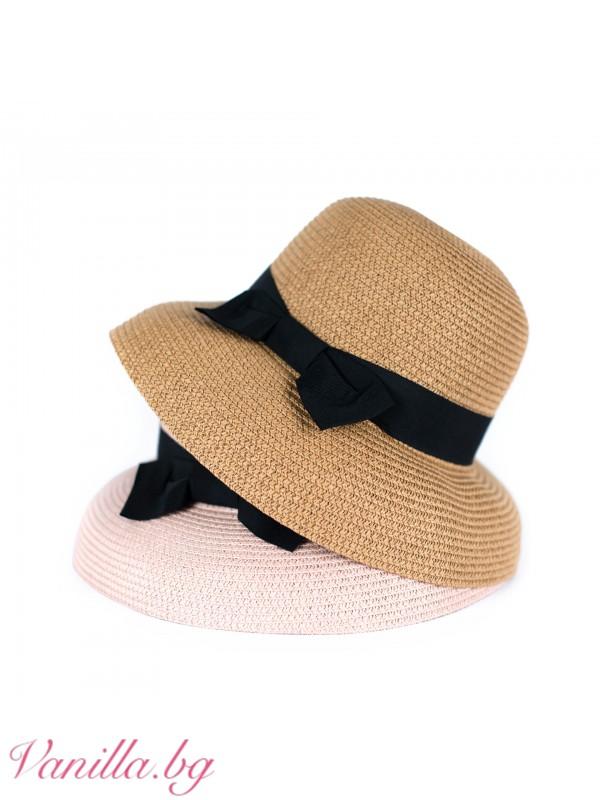 Лятна шапка с черна панделка