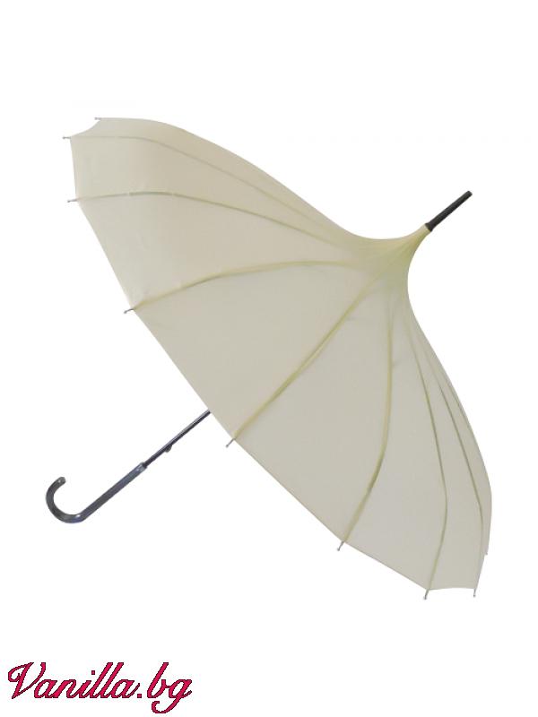 - Дамски чадър тип пагода в цвят слонова кост