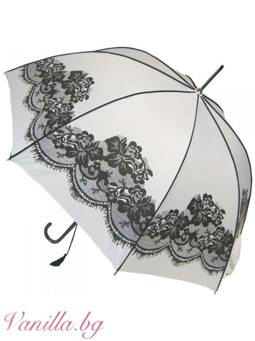 Бял чадър с щампа черна дантела във винтидж стил