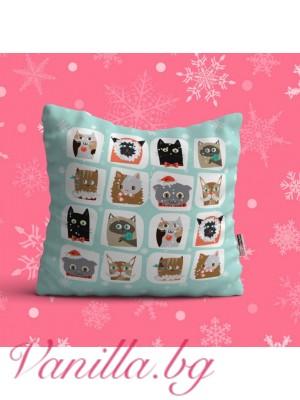 Декоративна възглавница с коледни котенца