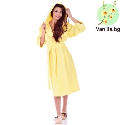 жълт халат за баня