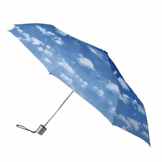 чадър с щампа облаци